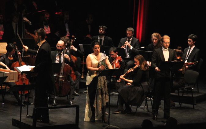 The soprano singers Élodie Hache and Maria Virginia Savastano,  wears by Simon Albo at the Oratorio of Athalia by  Georg Friedrich Haendel. Directed by Iñaki Encina Oyón,  and played by The Ensemble Diderot – Chamber Choir of Europe  The 16, 17 avril 2016, Théâtre Roger Barat, Herblay  www.simonalbo.com  #simonalbo #collections #fashion #opera #soprano  #singers #fashiondesigner #costumes
