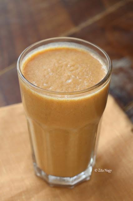 pumpkin almond milk smoothie with cinnamon
