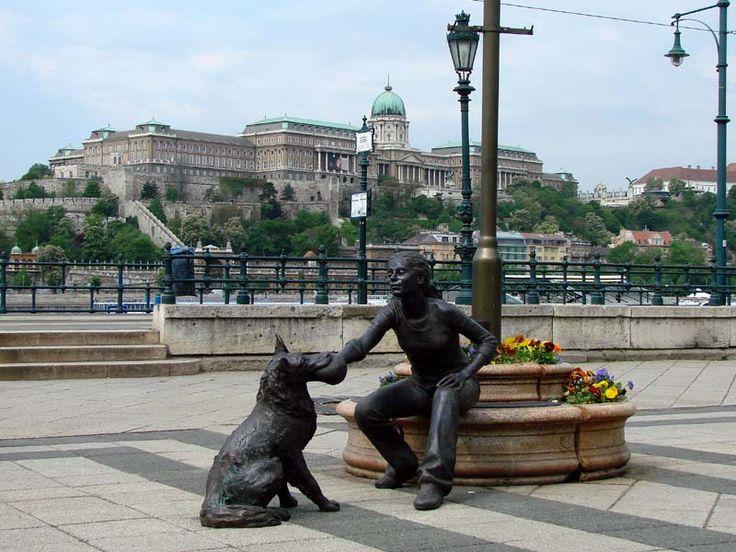 Duna-korzó  1051 Budapest, Belgrád rakpart http://hu.budapest.directory/city/na/duna-korzo/