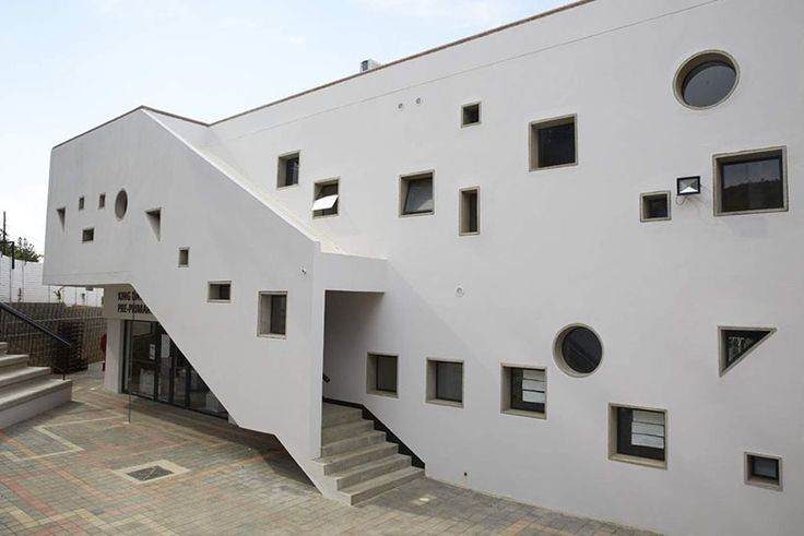 gregory katz uses precast concrete shapes to build school in johannesburg