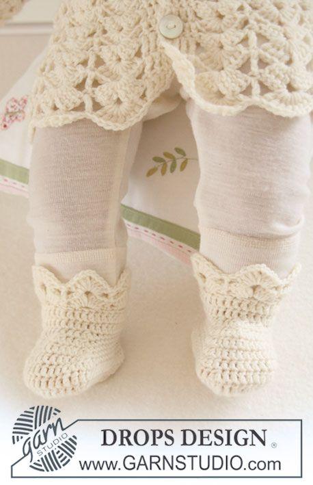 Heklede DROPS tøfler med viftemønster i Baby Merino. Gratis oppskrifter fra DROPS Design.