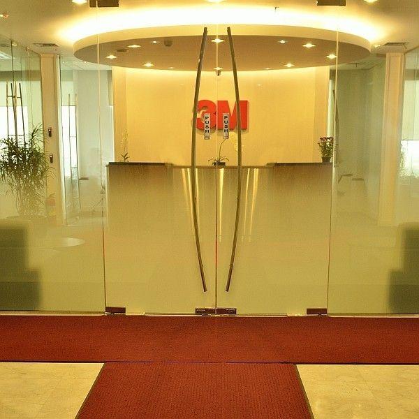 Keset 3M NOMAD tipe 4000 ENTRANCE MATTING - 1.2M X 18M (tanpa list karet hitam) di Jual Harga Murah.  Keset Rumah & Kantor Nomad 4000 - 1.1M X 18M (tanpa list karet hitam) - Karpet Matting yang cocok untuk diaplikasikan pada pintu masuk gedung / kantor / rumah.  http://alatcleaning123.com/keset/1511-keset-3m-nomad-tipe-4000-entrance-matting-12m-x-18m-tanpa-list-karet-hitam-di-jual-harga-murah.html  #kesetnomad #entrancematting #3M