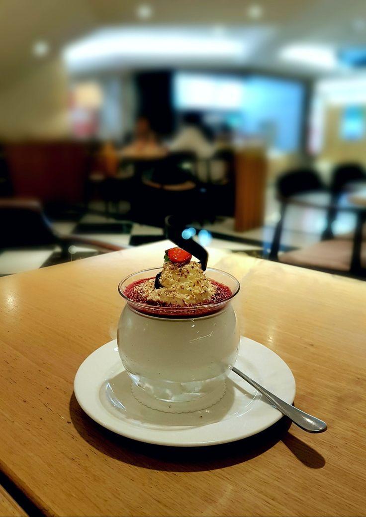 """""""Coconut Pannacotta"""", Bakerzin, Jakarta"""