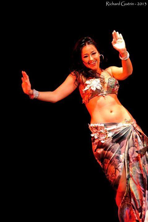 Mercedes Nieto, nemzetközileg elismert orientális táncos, oktató, koreográfus, a nemzetközi Cairo! Fesztivál, Budapest megálmodója és főszervezője, a Nimfa Orientális Társulat vezetője, a Nile Group fesztivál mestertanára (Kairó, Egyiptom).