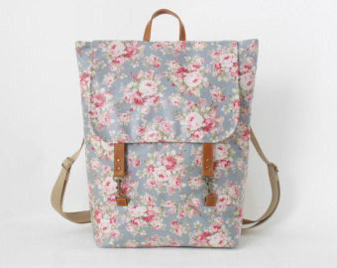 Impermeable de la cadete flor azul laminado mochila, pañalera, morral del ordenador portátil, bolso de escuela, bolso de trabajo, 2 bolsillos delanteros, diseño de BagyBags