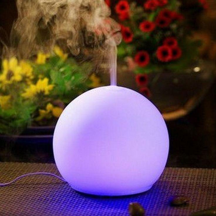 Le diffuseur aromatique O'Zen propose un nouveau concept : allier simplicité, beauté et « zénitude ». Sa grande particularité réside dans l'absence totale de bouton qui laisse place à une boule de verre lumineuse ne laissant échapper que la brume chargée d'huiles essentielles.