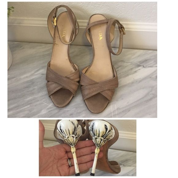 Prada floral heeled sandals in beige From the fairytale collection, purchased from Nordstrom. Shows wear to heel and sole where pictured. Prada Shoes
