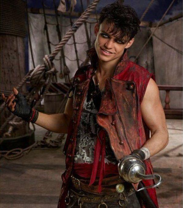Thomas Doherty as Harry Hook the son of Captain Hook #Descendants2