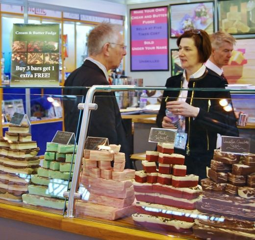 Stand out from the crowd by starting your own fudge business! Is something missing from your shop, store or tourist attraction? Make and sell your own bespoke range of delicious fresh fudge with our in-store profit generating programme.