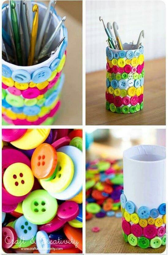 Tolltartó dekorálás gombokkal