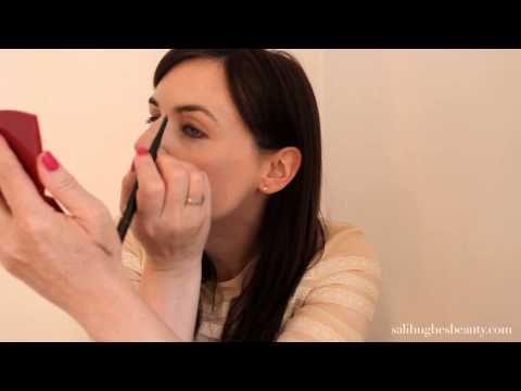 Video: Brows Tutorial - Sali Hughes BeautySali Hughes Beauty