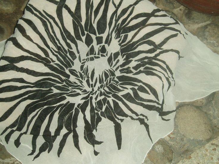 Pañoleta pintada en acrilico