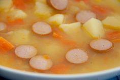 Eintopf mit Kartoffeln, Möhren und Wiener Würstchen. Schmeckt auch meinen Kindern und ihren Freunden. Das Thermomix Kartoffeleintopf Rezept findet ihr auf http://www.meinesvenja.de/2013/03/11/thermomix-schneller-kindereintopf/