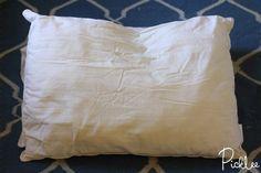 Maak+vergeelde+hoofdkussens+weer+stralend+wit+met+deze+handige+schoonmaak+tip!