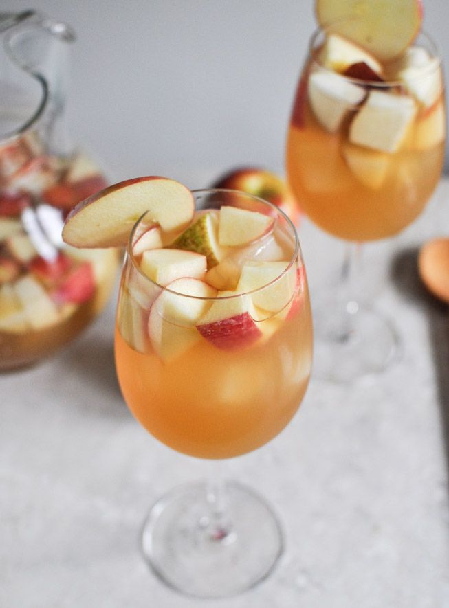 Apple Cider Sangria - Crisp and delicious, this drink is the perfect refreshment for a beautiful Fall evening.