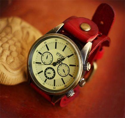 Three Circle Round Retro Leather Quartz Watches(Red)