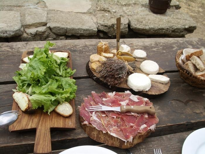 stay and eat at Ferme-Auberge Le Castelas (goat farm and inn), Sivergues, southern France