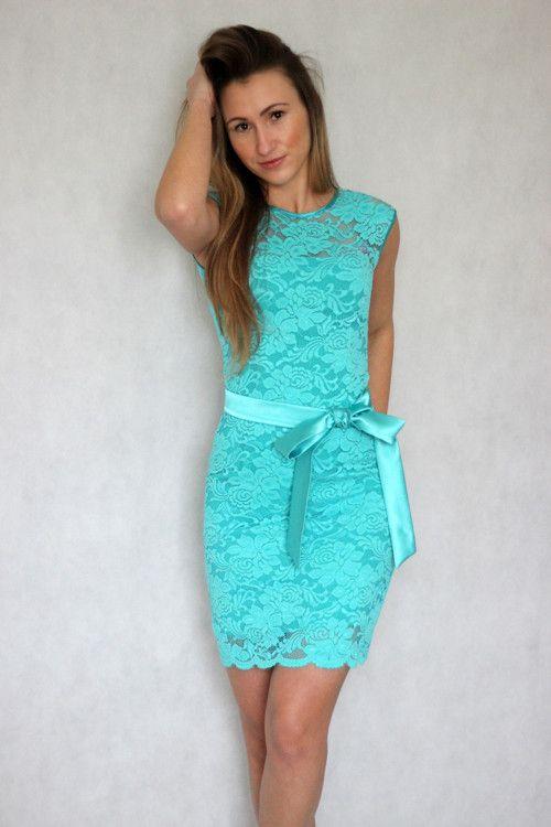 Koktejlové šaty z elastické krajky různé barvy