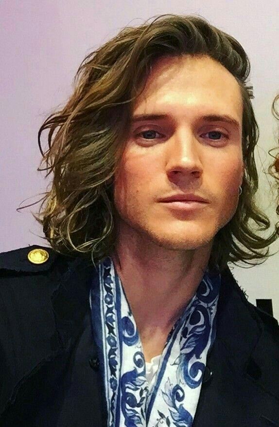 Idea By Jp On Mens Hairstyles Long Hair Styles Men Dougie