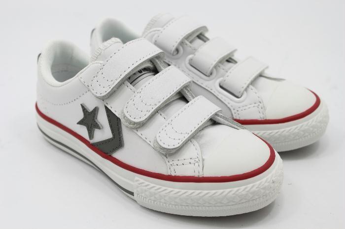 All stars sneakers wit met klittenband.