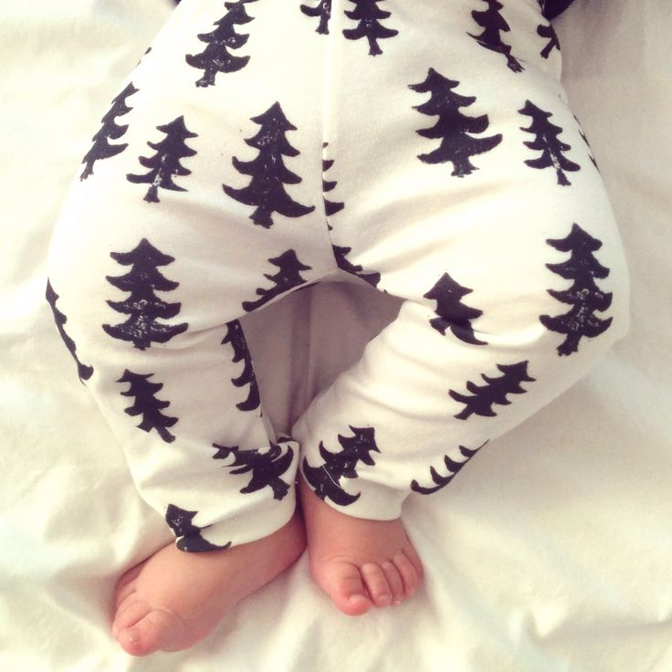 christmas baby gift, christmas baby present, scandinavian baby clothes, modern baby clothes, organic baby leggings, black trees on white by BABYdeardotca on Etsy https://www.etsy.com/listing/210721697/christmas-baby-gift-christmas-baby