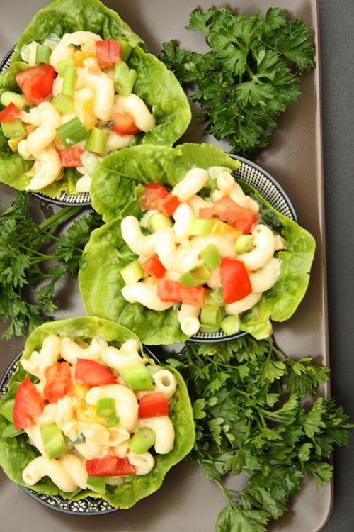 Nudelsalat mit Honig-Senf-Dressing und buntem Gemüse
