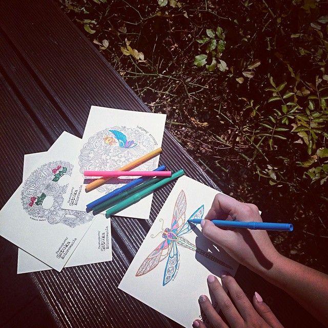 Kolorujemy wszędzie! :D #pocztówki  #johannabasford #tajemnyogród #kolorowanie #kolorowanka #kolorowo #art #books #sztuka #kolorowekredki #mazaki #coloringbook #coloring #kolorowanki #colourful #relax #inastabook #colour #colors #colorful #kolorujemy #colouring #koloruj
