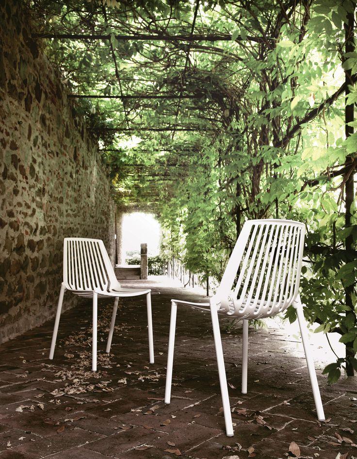 RION collection. Chair in painted aluminium / Sedia in alluminio verniciato. FAST IN_OUT ALUMINIUM.