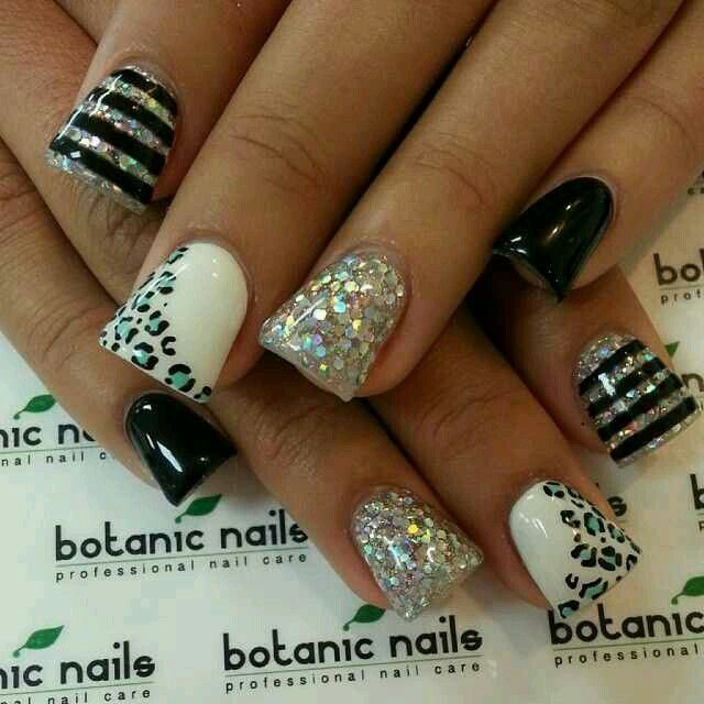 Cute nails .. short flare