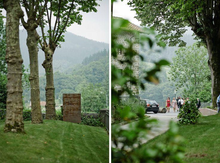 Reportaje de boda en el precioso hotel restaurante Komentu Maitea de Gordexola. Wedding photographers in Nothern Spain