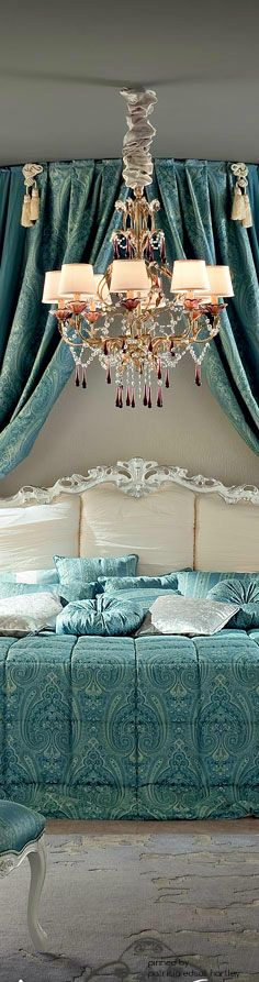 Oh my goodness.i am in love with the bedding, pillows, color, pattern. In fact...there's really nothing about this that I don't love. Gorgeous!