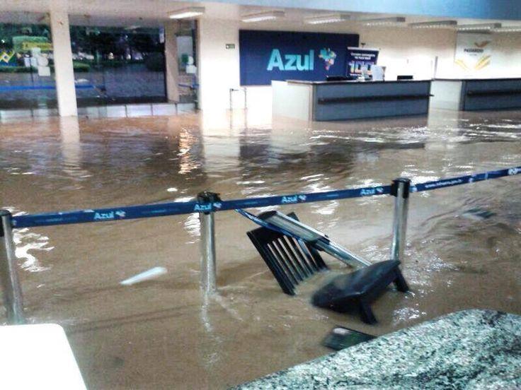 """Muitas coisas foram prometidas aos brasileiros. E não foram cumpridas."""" (NOVIDADE..!!!) http://esportes.r7.com/blogs/cosme-rimoli/dilma-garante-o-que-foi-prometido-para-a-copa-foi-cumprido-ate-sua-maior-parceira-a-fifa-nao-concorda-trem-bala-obras-de-mobilidade-reformas-nos-aeroportos-iniciativa-privada-bancando-os-r-30-06062014/"""