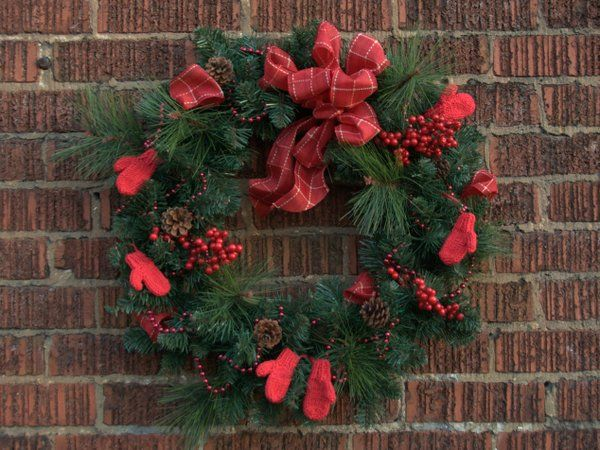 Merry Mittens add whimsy to your Christmas wreath.