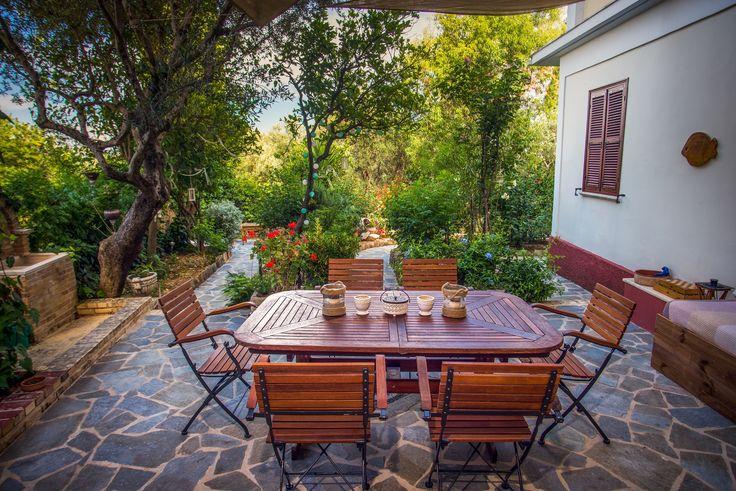 Outdoor dinner - lounge area