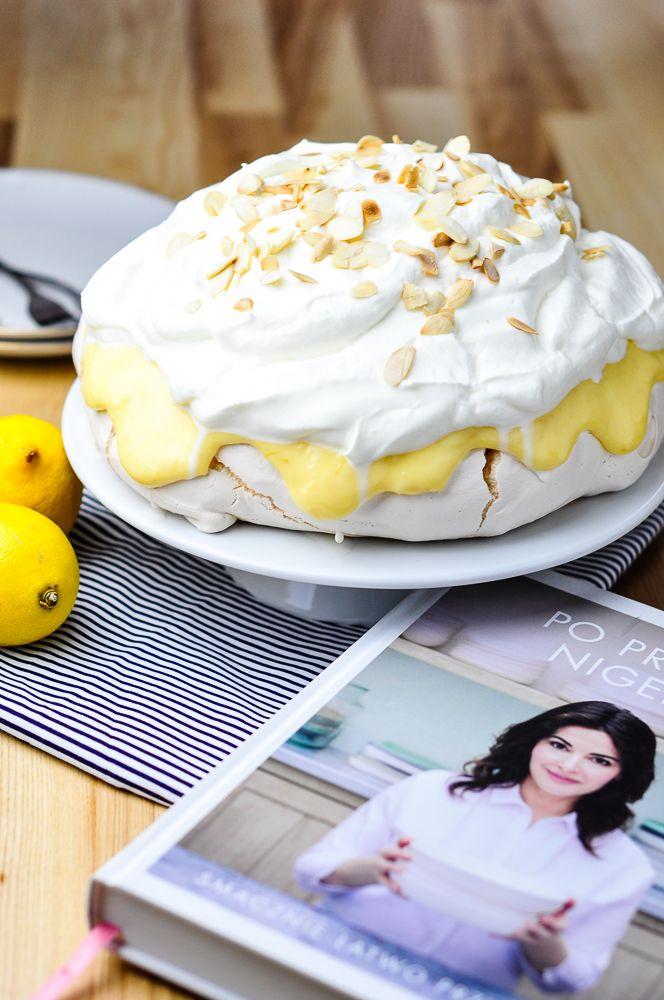 Cytrynowa beza Pawłowej – kulinarna piniata – fotografia jedzenia, fotograficzny blog kulinarny, przepisy kulinarne ze zdjęciami,