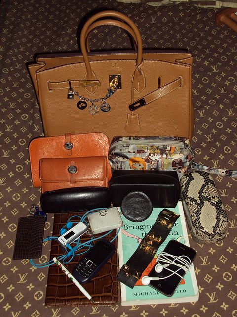 1000+ Ideas About Inside My Bag On Pinterest