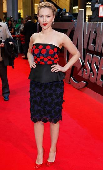 #ScarlettJohansson I loveeeee her. Is anyone like me to be fond of her?