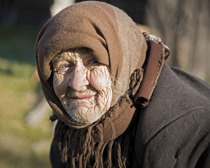 People of Chernobyl: Portrait of an elderly living in one of the abandoned villages around Chernobyl, Ukraine [2986x2389]