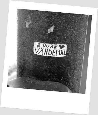 Travelling with camera obscura: Mustavalkoista matkailua Kansankodissa