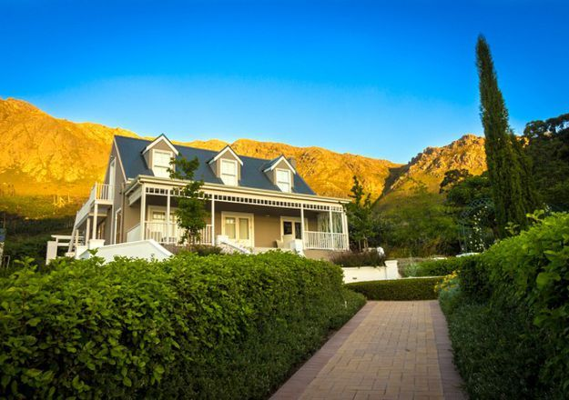 The cutest cottage at the foothills of the Franschhoek Mountains! Farm Lorraine in Franschhoek.