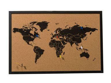 Wir pinnen unsere Urlaubspläne schon mal fest – Vorfreude ist schließlich die schönste Freude. #Fernweh #Pinnwand #Weltkarte