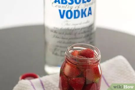 Image titled Make Vodka Soaked Strawberries Step 4