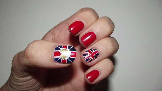 Perfectly Polished: Nail Art: Olympic Team GB Flag Nails