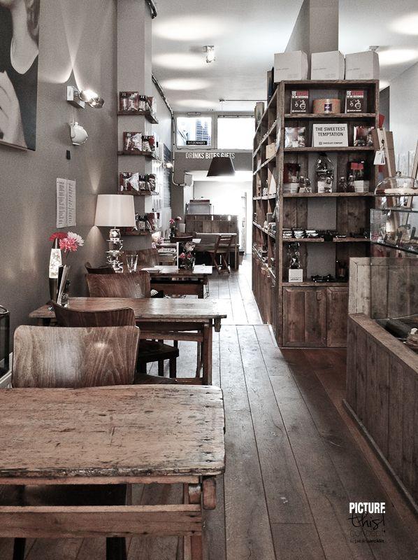 ⭐ grey walls and natural wood
