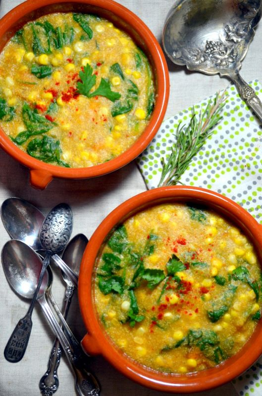 Creamy Quinoa Corn Chowder with Spinach -vegan. Looks delicious! #vegan #entree #recipe