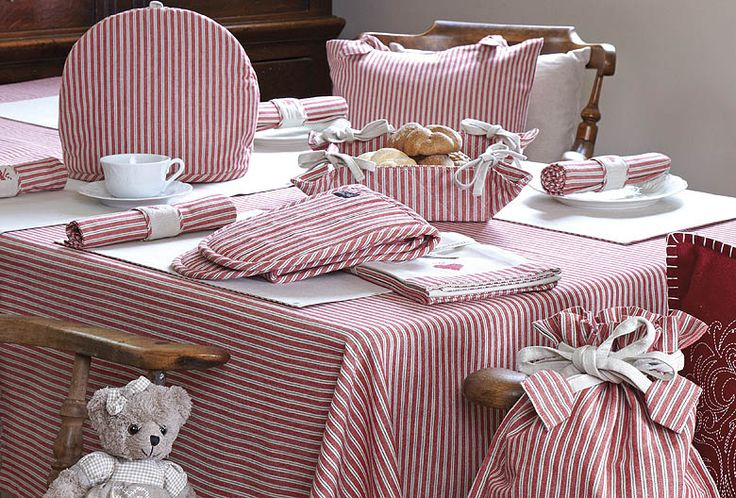 The perfect taclecloth range for any country kitchen.