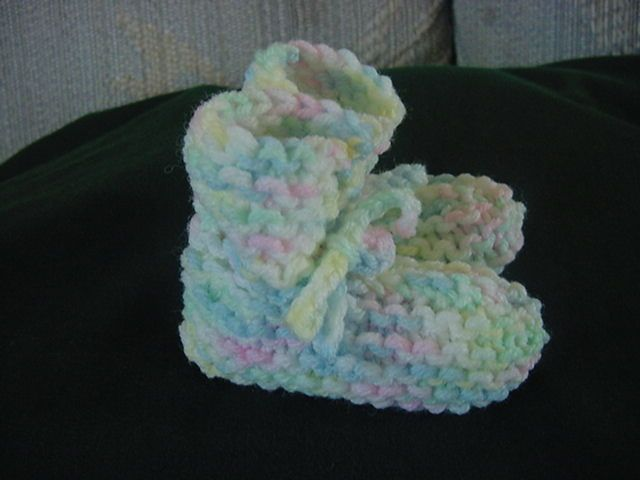 Easy and quick knit preemie baby booties - These are certainly the easiest I have tried