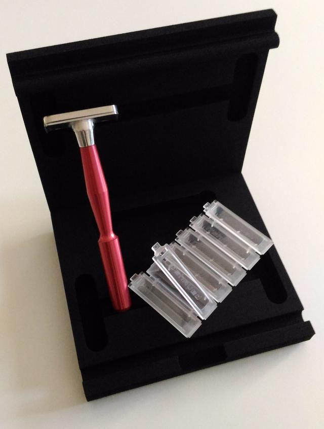 N'Shaved, LA 1ère tondeuse manuelle de précision pour l'entretien régulier et sans contraintes de votre Barbe.