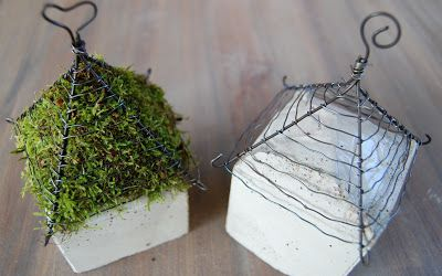 VÄXTHUSMADAM: Panduro concrete challenge....Cement blocks and wire top filled with moss! I love these little houses!