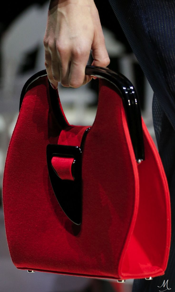 Spring 2016 Ready-to-Wear Giorgio Armani handbags wallets - http://amzn.to/2ha3MFe